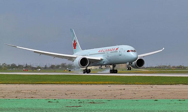 Air Canada maiden B787 flights lands in Toronto