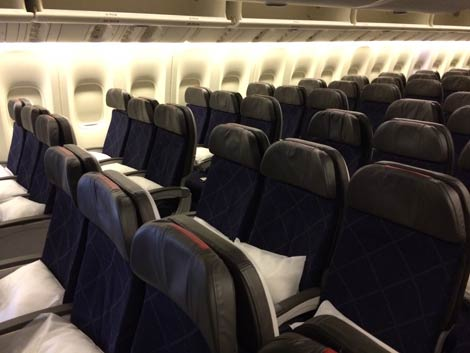 Aa Inaugurates Hong Kong Dallas Service Business Traveller