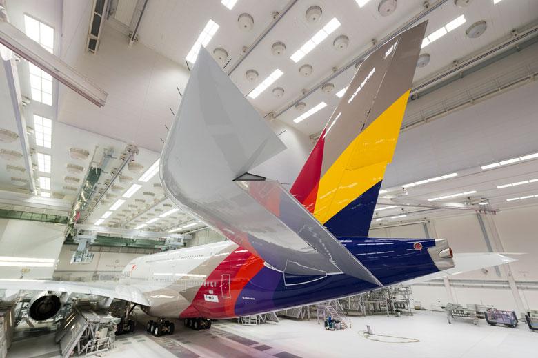Asiana A380 in hangar