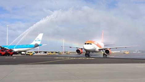 Easyjet aircraft receives water cannon salute at Schiphol