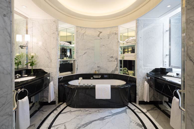 Peninsula Paris Deluxe Suite bathroom