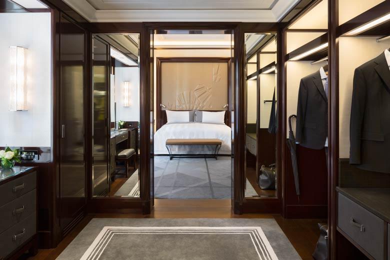 Peninsula Paris Deluxe Suite dressing room
