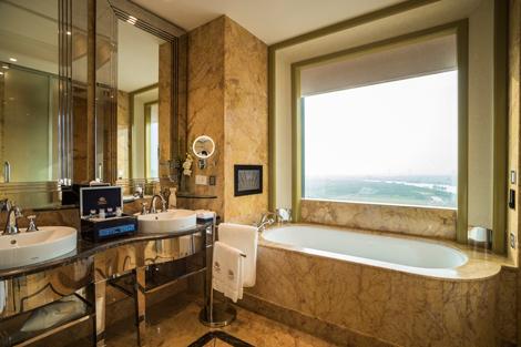 The Reverie Saigon Grand Deluxe King Room bathroom