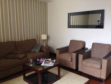 130 Queen\\'s Gate living room