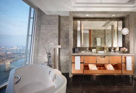 Shangri-La At The Shard bathroom