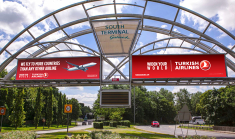 Turkish Airlines Gatwick sign