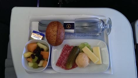 Lufthansa B747-8 premium economy food