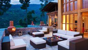 Uma Punakha - Dining - Outdoor Terrace Evening