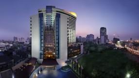 AVANI Atrium Bangkok Exterior (916x543)