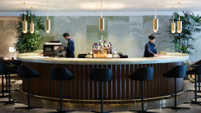 Cathay Pacific Long Bar at the Pier