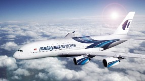 Malaysia_Airlines_A380_flying_right_to_left