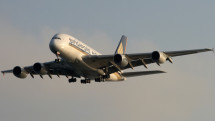 Singapore Airlines' A380 in final approach