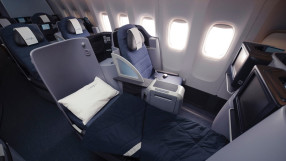 United business class B757