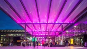 Heathrow Airport, Terminal 3, forecourt, November 2015.