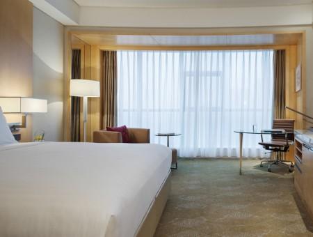 Courtyard by Marriott Hangzhou Qianjiang Deluxe King bed room