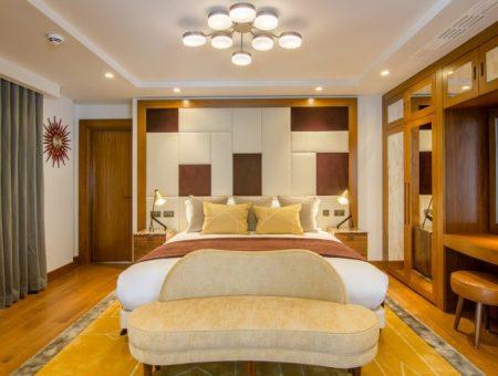 Devonshire Club - bedroom