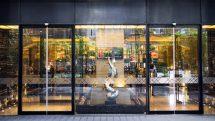 Pullman Shanghai Jing An Hotel Entrance
