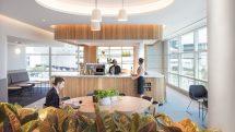 Wine bar at Qantas' Domestic Business Lounge at Brisbane Airport