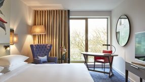 Hyatt-Regency-Amsterdam-Standard-Room-View-Open