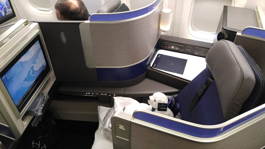 United B777-300ER Polaris Business seat