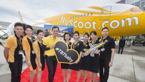 Scoot Team with first long-haul-configured B787-8 Dreamliner