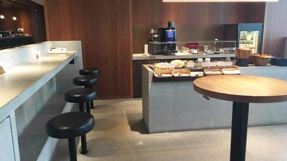Cathay Pacific first and business class lounge Bangkok Suvarnabhumi Airport freestanding area